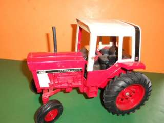 Ertl INTERNATIONAL HARVESTER Farm TRACTOR 1586 Nice 1/16 scale