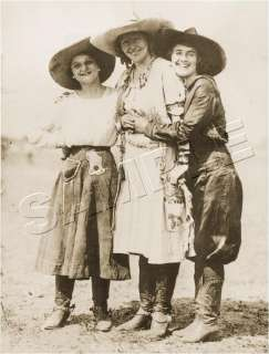 VINTAGE WESTERN RODEO PENDLETON ROUND UP COWGIRLS PHOTO *CANVAS* ART