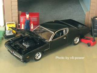 1971 DODGE CHARGER R/T, Opening Hood w/440+6 V8, RRs, 164 Diecast