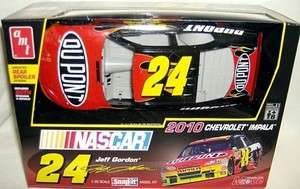 amt 1/25 #24 DUPONT JEFF GORDON 2010 CHEVY IMPALA LATE